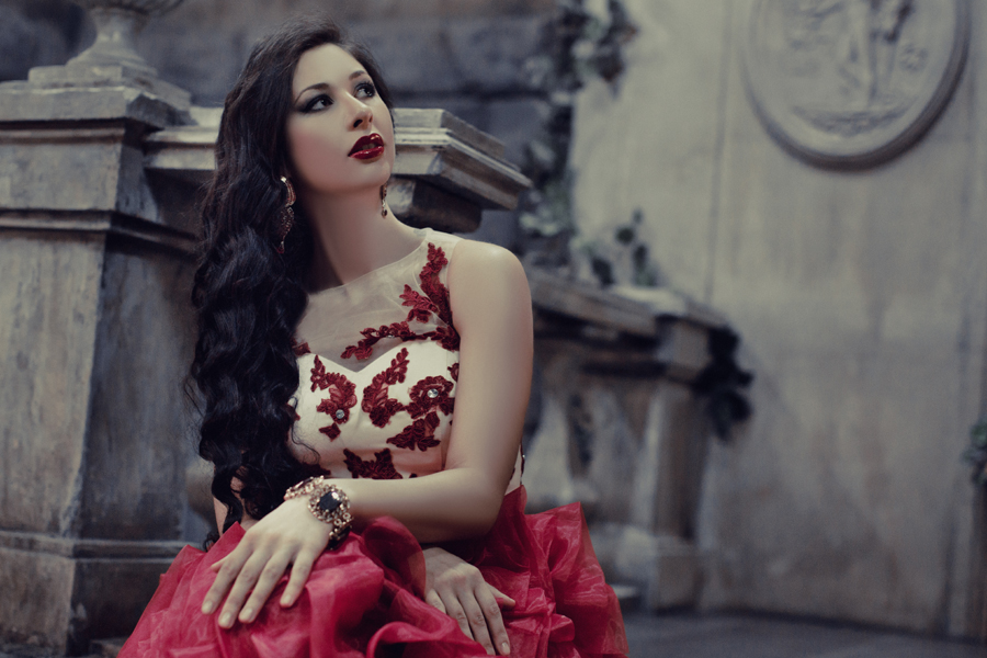 Певица Атмосфера - Ольга Бутусова: Lady in Red фото