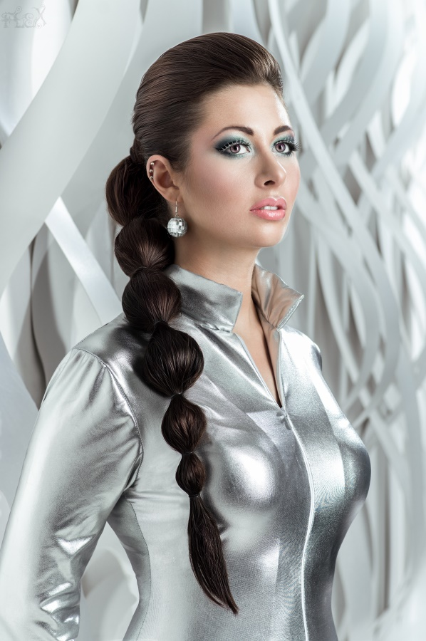 Певица Атмосфера - Ольга Бутусова: Space Woman фото
