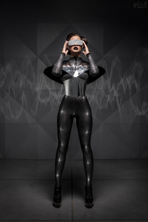 Певица Атмосфера - Ольга Бутусова: фото Alien Girl