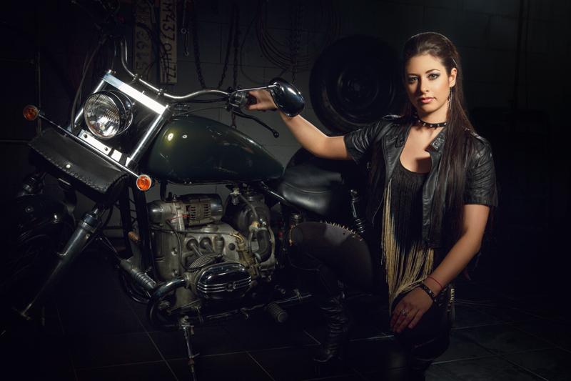 Певица Атмосфера - Ольга Бутусова: Moto Style фото